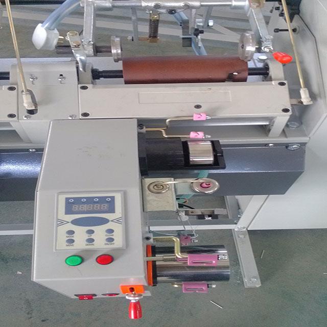அது https://www.feihu-machine.com/img/high_spped_spindle_cnc_yarn_winding_machine_nylon-81.jpg
